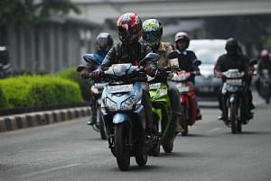 tips berkendara sepeda motor yang aman